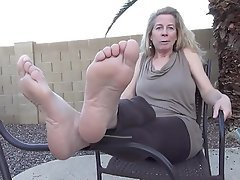 Amateur, Foot Fetish, Mature, MILF, Outdoor