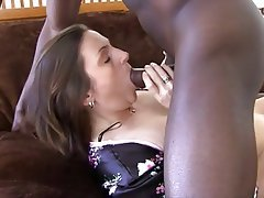 Mature housewife gives great blow rimjob 5